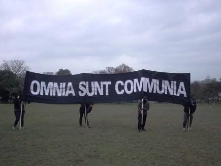 omniasuntcommunia_banner
